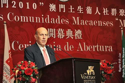 Último Governador português de Macau, General Vasco Rocha Vieira, o principal responsável, auxiliado por colaboradores, pelo início dos Encontros das Comunidades Macaenses