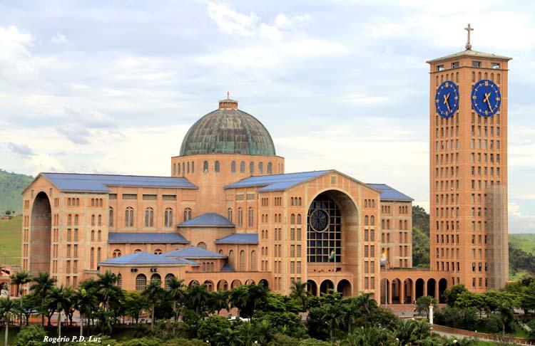 File Frente Da Basílica De Nossa Senhora Aparecida: Dia De Nossa Senhora Aparecida – 12 De Outubro