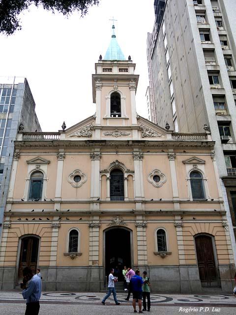Igreja de Santo Antônio, localizada na Praça Patriarca, centro de São Paulo