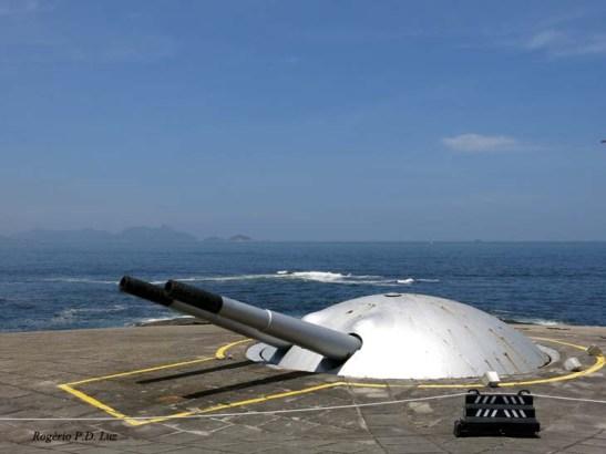 A segunda cúpula com canhões de 190 mm