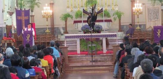 Na Sé Catedral. Imagens de Pedro André Santos e do Jornal Tribuna de Macau
