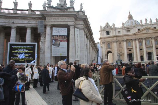 Roma Basilica Praca Sao Pedro (06)