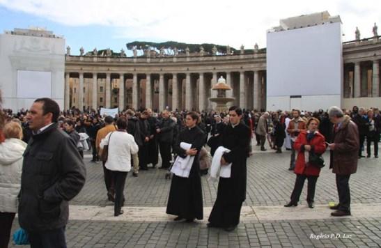 Roma Basilica Praca Sao Pedro (07)