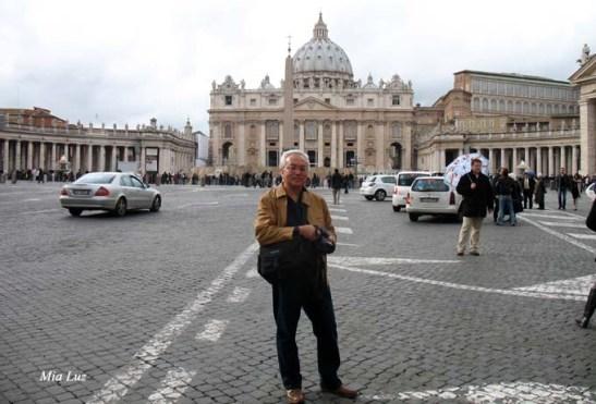 Também fiz questão de tirar uma foto de lembrança do lindo momento no Vaticano