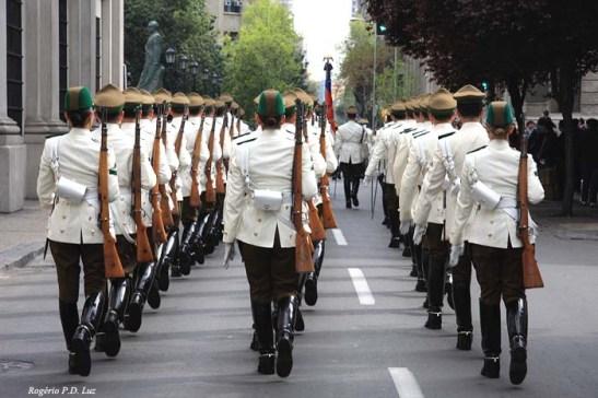 Chile Palacio La Moneda e troca Guarda (06)