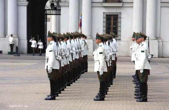 Chile Palacio La Moneda e troca Guarda (10)