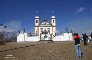 O Santuário sendo fotografado por Francisco Alencar que nos acompanhou no tour