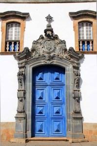 a porta de entrada da basílica