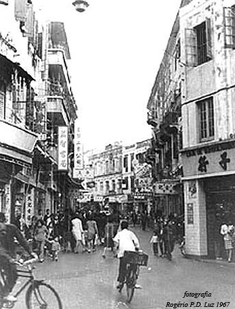 Macau.antes.depois.Rua S.Domingos.1967