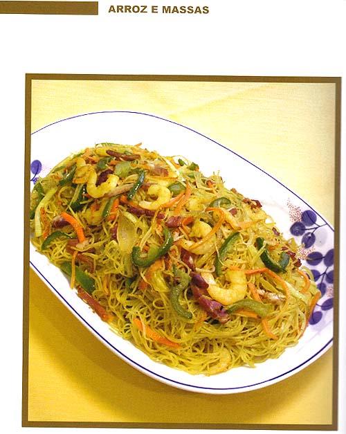 Tem receita do Mai-Fan a Singapura (Malai Min). Foto do livro