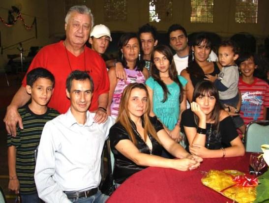 No Natal de 2009 com os filhos, noras e netos.