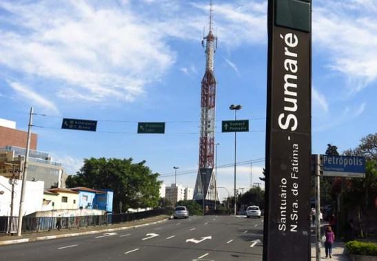 O metrô é uma boa opção para chegar ao Santuário. Pegue a Linha 2 Verde sentido Vila Madalena e desça na estação Sumaré