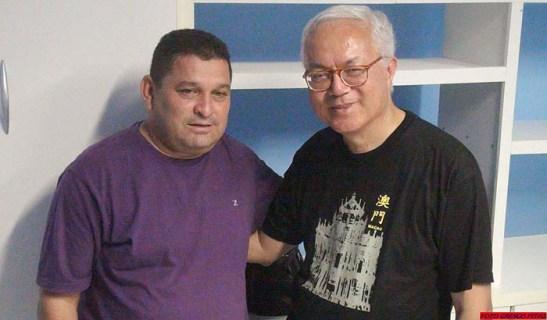 com o blogueiro Irineu Cândido, do blog Cidade do Sal (foto: Nilton Marcelino