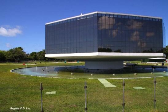 Estação Cabo Branco, um projeto de Oscar Niemeyer, logo no acesso  para o litoral