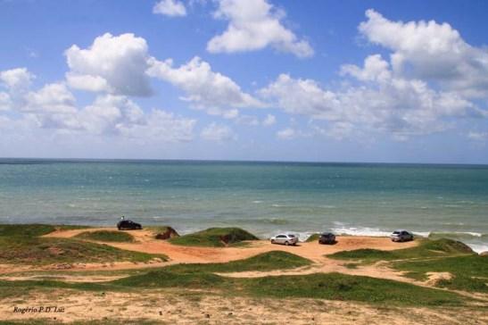 Praias desertas na Via Costeira