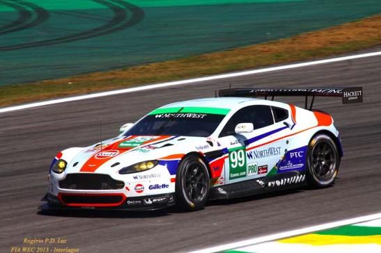 Aston Martin Vantage V8 com o brasileiro  Bruno SENNA e Rob BELL. Abandonou a prova na 61ª volta