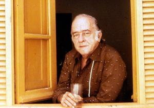 Vinicius em 1980 - foto do site oficial de Vinicius de Moraes