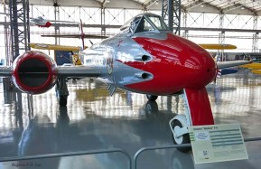 Gloster Meteor F-8 (1952)