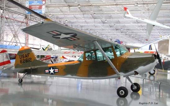 CESSNA 305a BIRD DOG - monomotor de 1950 dos EUA servia para o trabalho de ligação e observação do Exército e Marinha norte-americana. Velocidade máxima: 288 km/h