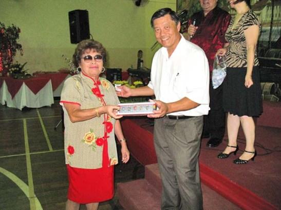 A Mariazinha Lopes Carvalho foi uma das sortudas do sorteio dos souvenirs