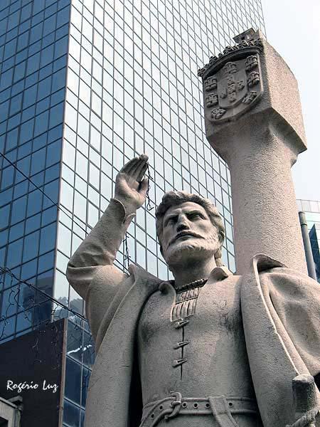 Homenagem deste blog, do seu autor e do Projecto Memória Macaense aos 500 anos da chegada de Jorge Álvares ao Sul da China.