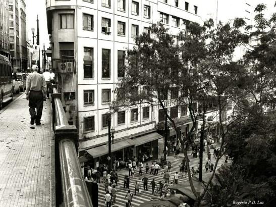 Rua Boa Vista com vista da Rua General Carneiro, no centro financeiro de São Paulo
