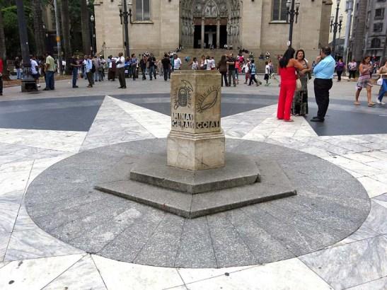 Marco zero da Praça da Sé, centro histórico de São Paulo