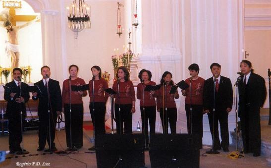 Coral do Dóci Papiaçám di Macau. Formação de 2003 na Igreja e São Domingos