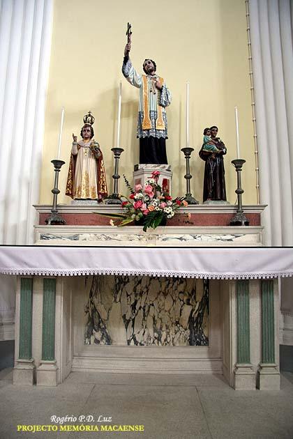 Imagem de São Francisco Xavier na Igreja de São Lourenço, em Macau