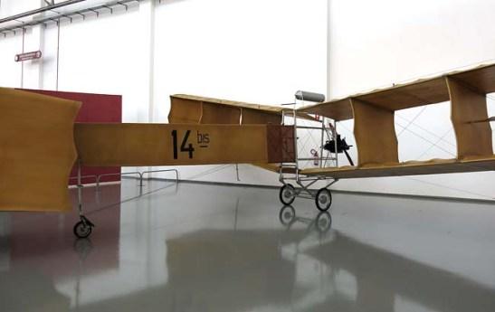 O 14-Bis de Santos Dumont. Réplica exposta no Museu TAM em São Carlos-SP-Brasil. Foto: Rogério P.D. Luz