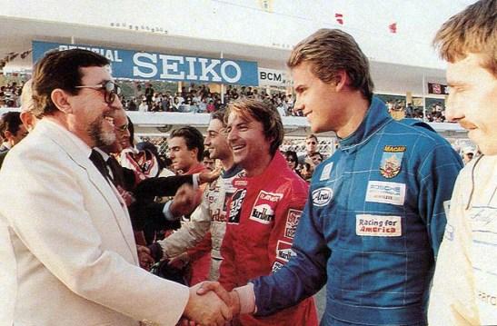 Governador Almeida e Costa acompanhado do vice-presidente da FIA Jean-Marie Ballestre e César Torres. Foto: Manuel Cardoso - Revista Nam Van