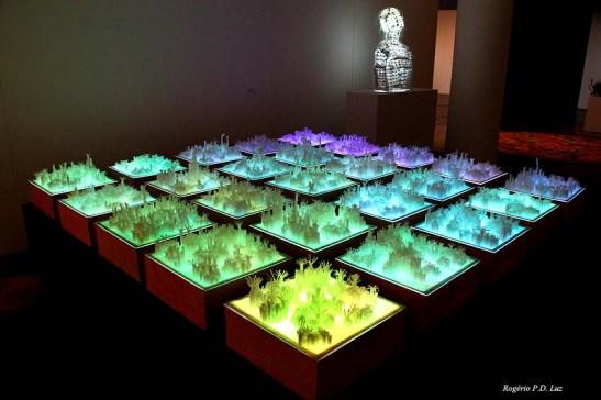 """""""Cidade da Floresta"""" de Jin Ansha, procura representar Pequim/Beijing como uma floresta"""