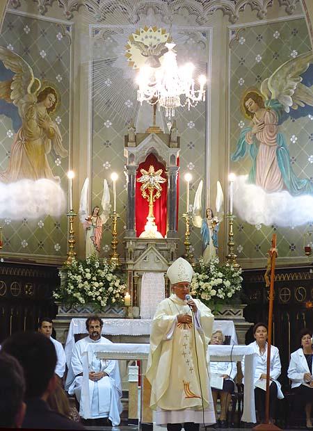 Igreja Divino Espirito Santo Missa Quinta Feira Santa 2014 (01)