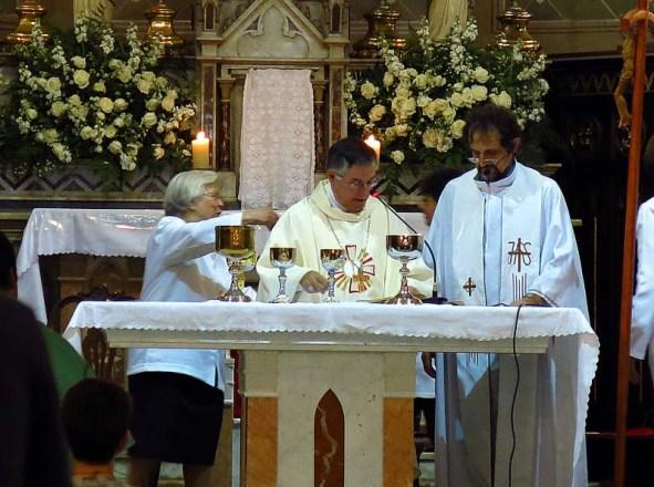 Igreja Divino Espirito Santo Missa Quinta Feira Santa 2014 (04)