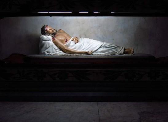 Imagem de Cristo morto da Igreja de Santa Ifigênia, em São Paulo