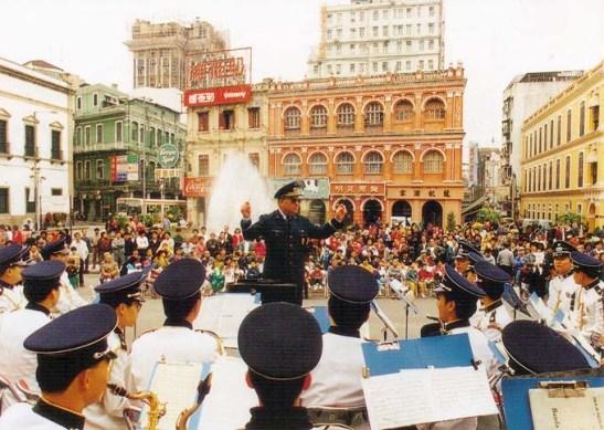 Banda da PSP no Festival de Artes, Macau 1994 (?). Foto da Revista Macau