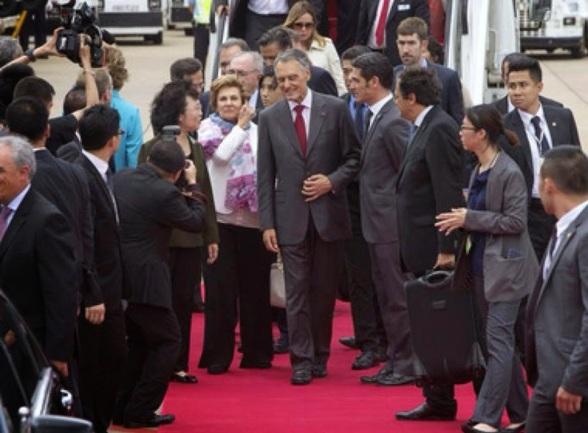 O Presidente de República de Portugal, Cavaco Silva, em sua visita a Macau em 17/05/2014. Foto postada no grupo Conversa entre a Malta no Facebook