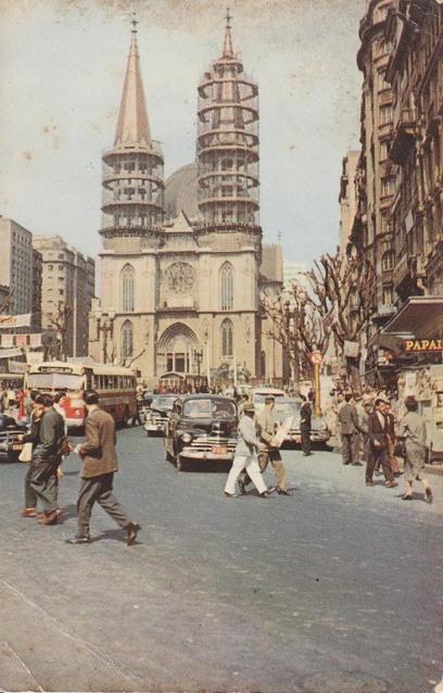 A Catedral da Sé em construção. Foto publicada no grupo por Marcos Andolphatto.