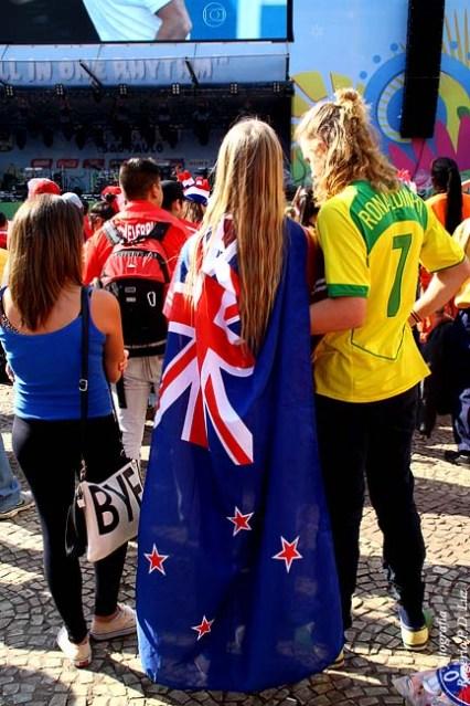 estas australianas estavam lá perdidas pois não se transmitia o jogo em que a Austrália perdeu para a Espanha que só ressuscitou no jogo de despedida