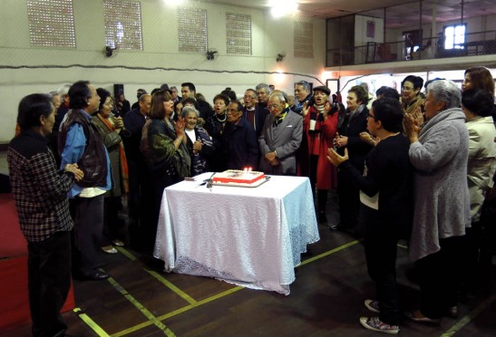 """Os associados cantam """"parabéns à CMSP"""""""