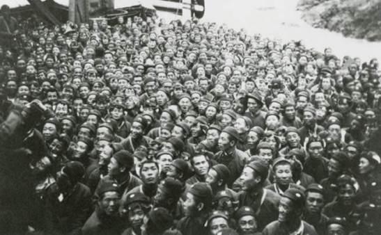 Trabalhadores chineses a caminho da França. (Kautz Family YMCA Archives, University of Minnesota)
