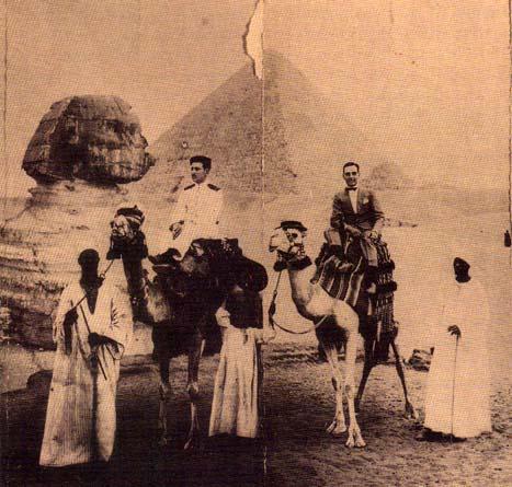 Em 1925, Namorado Júnior partir para Macau e recorda com saudade a sua passagem pelas Pirâmides do Egipto