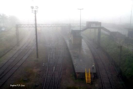 A ferrovia 'by São Paulo Railway'.