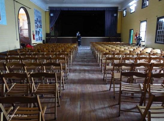 o interior do Clube Serrano