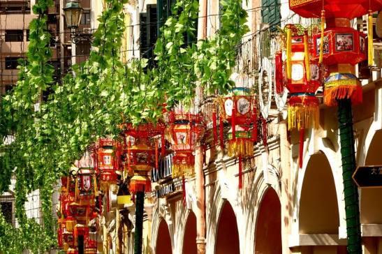 As tradicionais lanternas chinesas. Fotografia de/photo by Manuel Cardoso