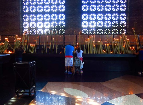 Santuario N.S. Aparecida 2014 Capela Velas (17)