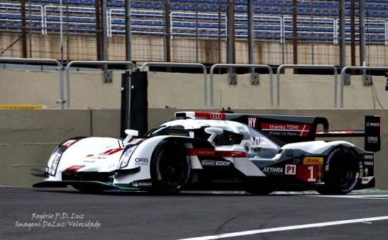 A Audi classificou o seu R18 e-tron quattro ficou em 3º com - Lucas Di Grassi, Loic Duval, Tom Kristensen