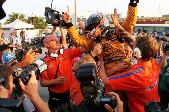 Felix Rosenquist vence o 61º GP de Macau (foto do site oficial do piloto no http://www.felixracing.se/felix-vinner-macau-grand-prix-2014/)