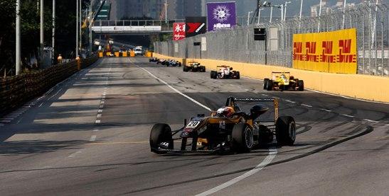 Felix Rosenquist na dianteira com seu F3 (foto do site da FIA F3 Europe)