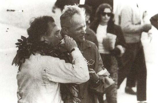 John McDonald e Grant Wolfkill após o GPM de 1965 comemorando seus 1º e 2º lugares (photo of Colour & Noise book)